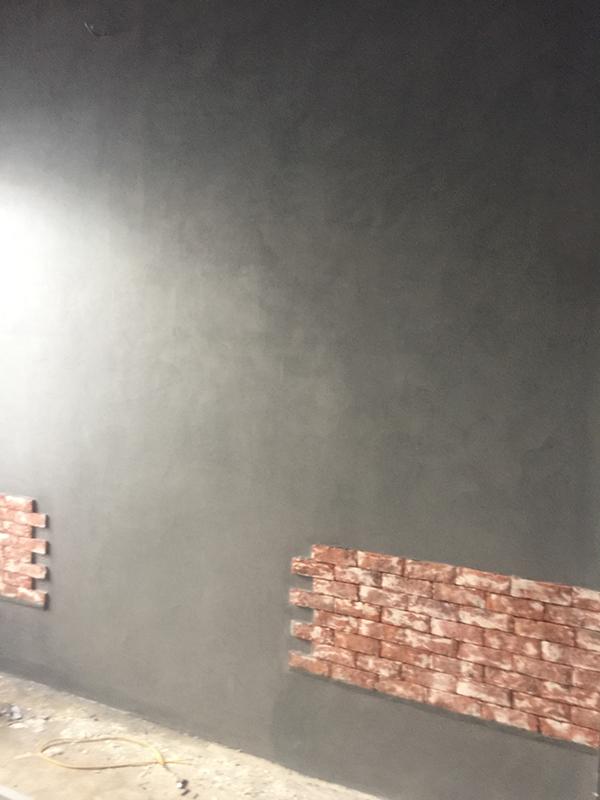 tường sơn bê tông shop thời trang