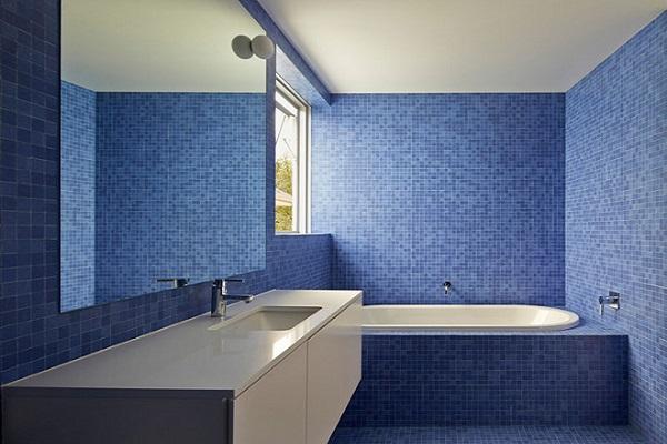 phòng tắm màu nước biển