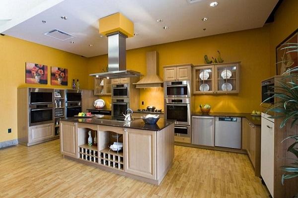 màu vàng đồng trắng cho nhà bếp