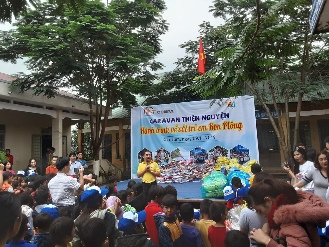 Conpa vietnam và Canavan tổ chức thiện nguyện trẻ-em-kon-plong