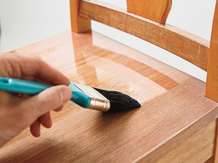 Thi công sơn PU trên gỗ
