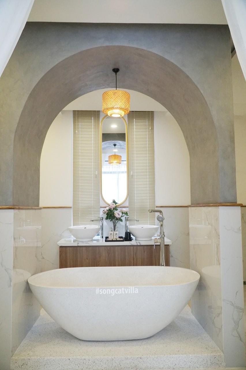 Sơn hiệu ứng bê tông phòng tắm Song Cat Villa