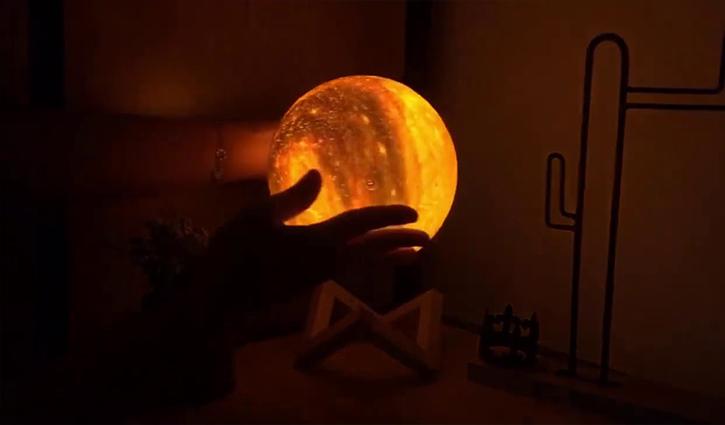 Đèn ngủ mặt trăng thơ mộng đang được tìm kiếm nhiều nhất hiện nay