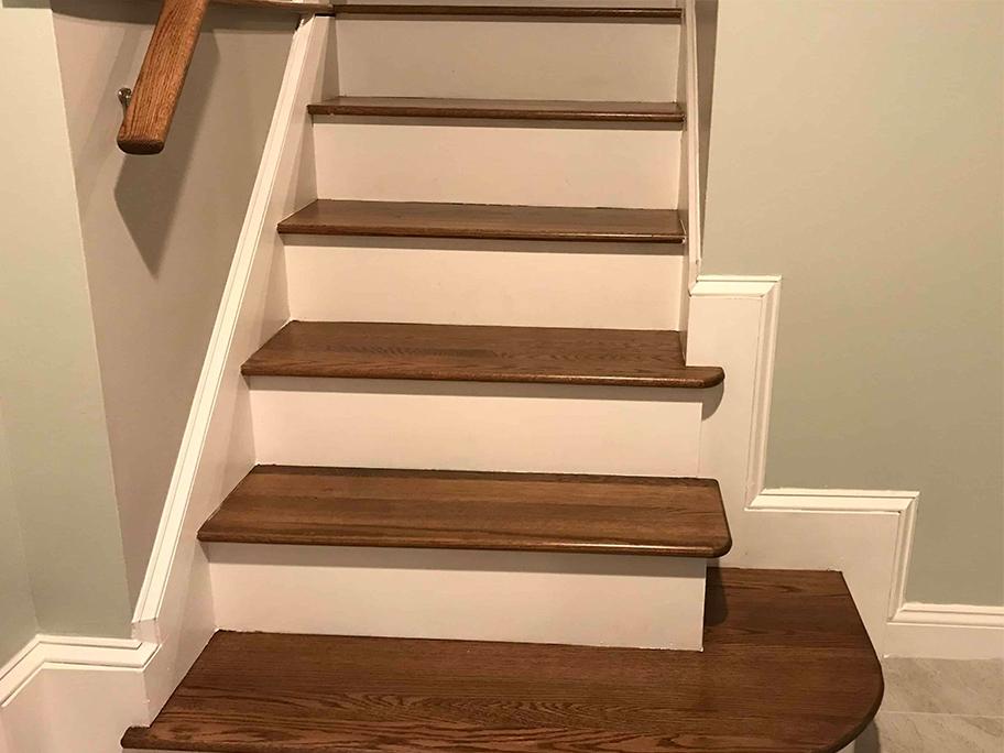 Mẫu cầu thang sử dụng sơn giả gỗ