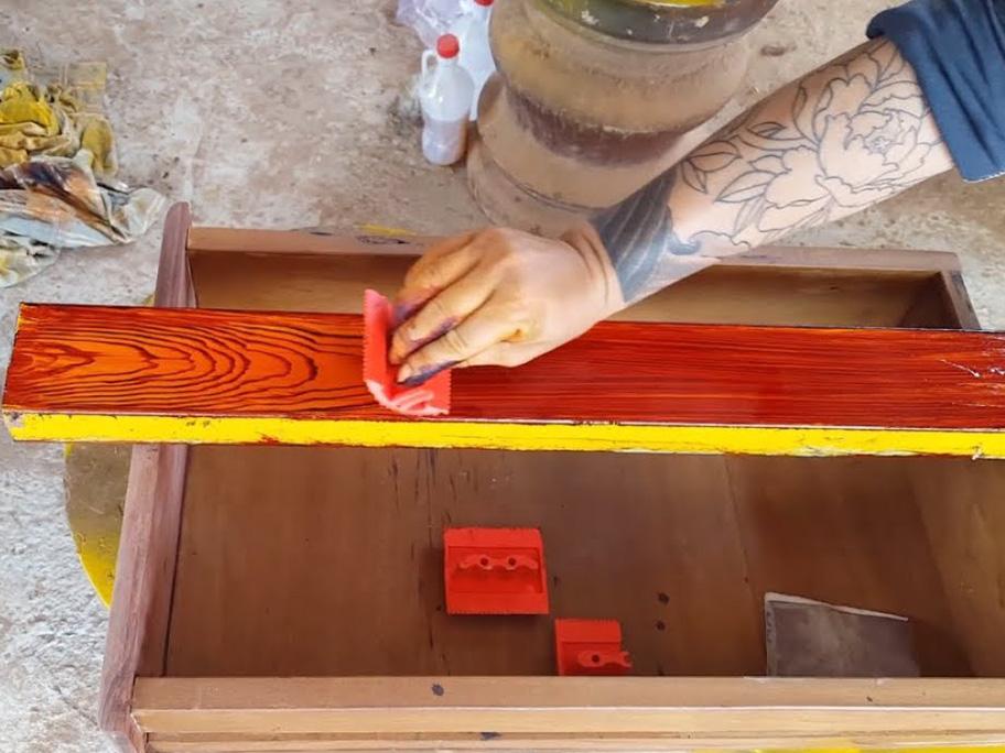 Hướng dẫn thi công sơn giả gỗ trên bề mặt sắt