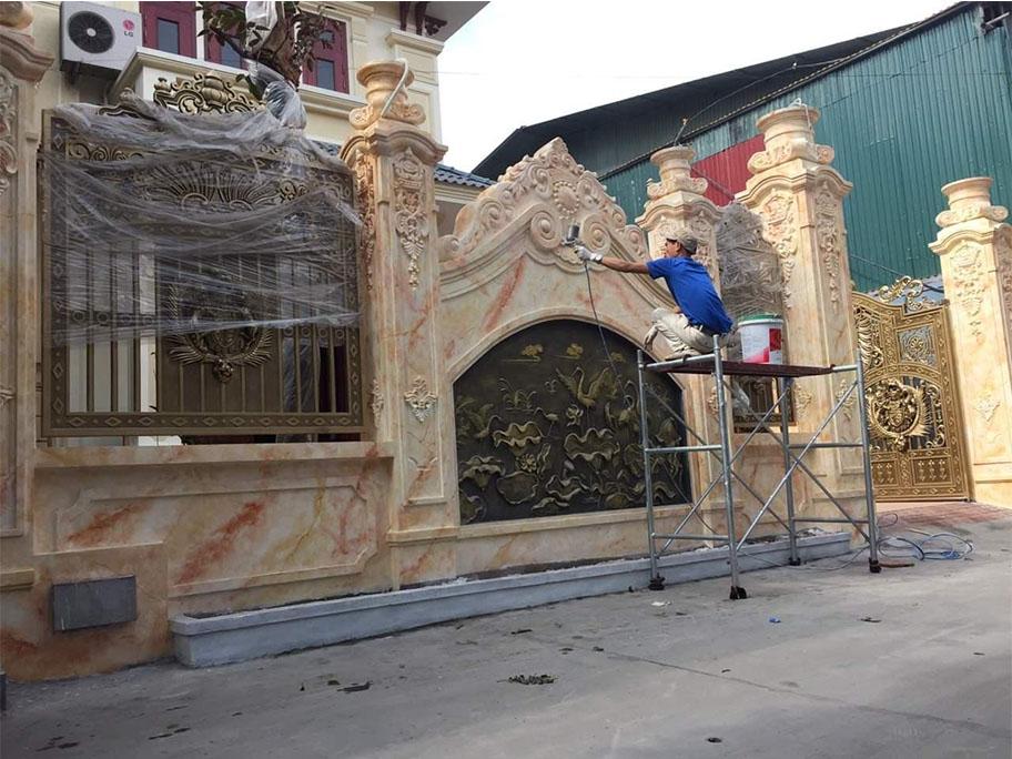 Bước quét lớp sơn bóng cho công trình sơn giả đá cẩm thạch