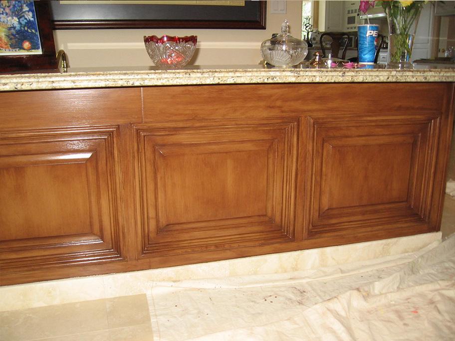 Tủ bếp sử dụng sơn giả gỗ