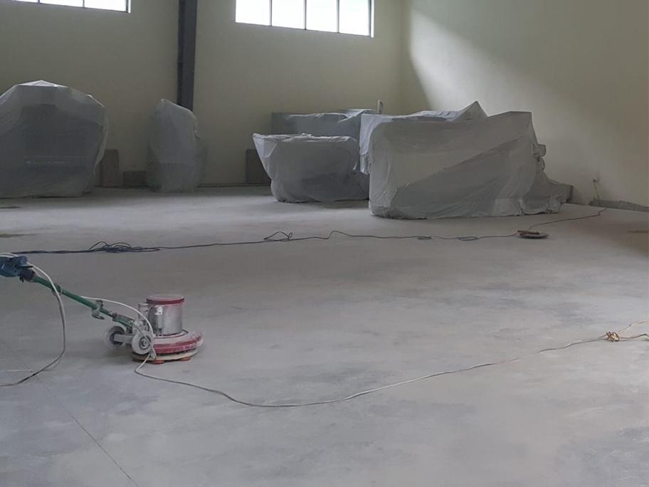 Trước khi thi công sơn Eppxy cần phải xử lý bề mặt thi công