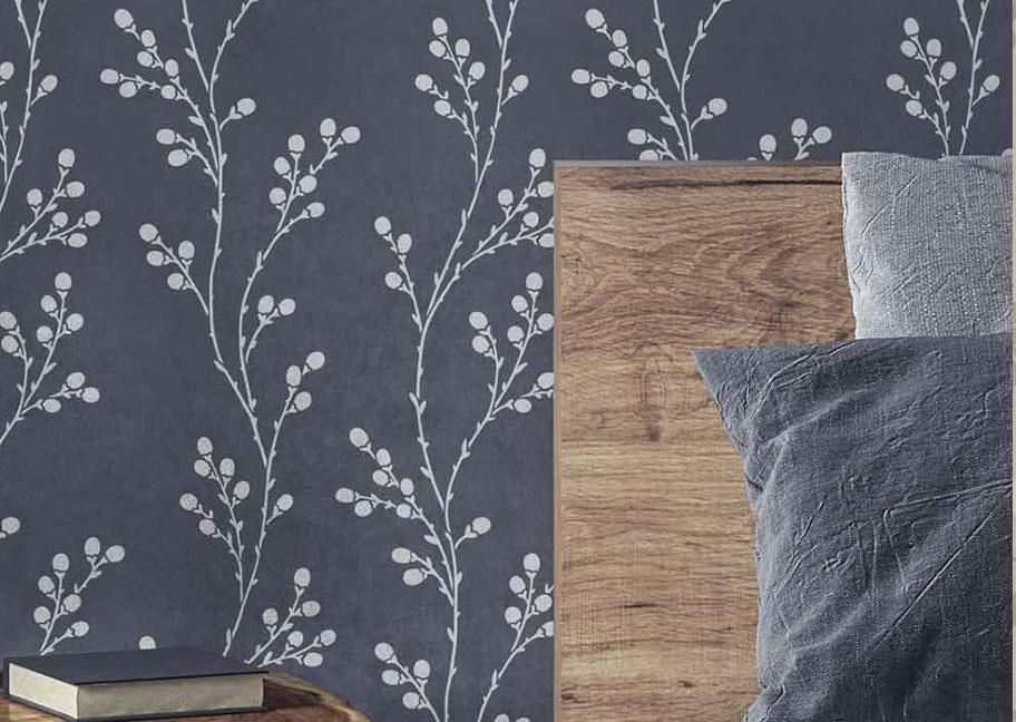 Phòng ngủ được sơn hoa văn
