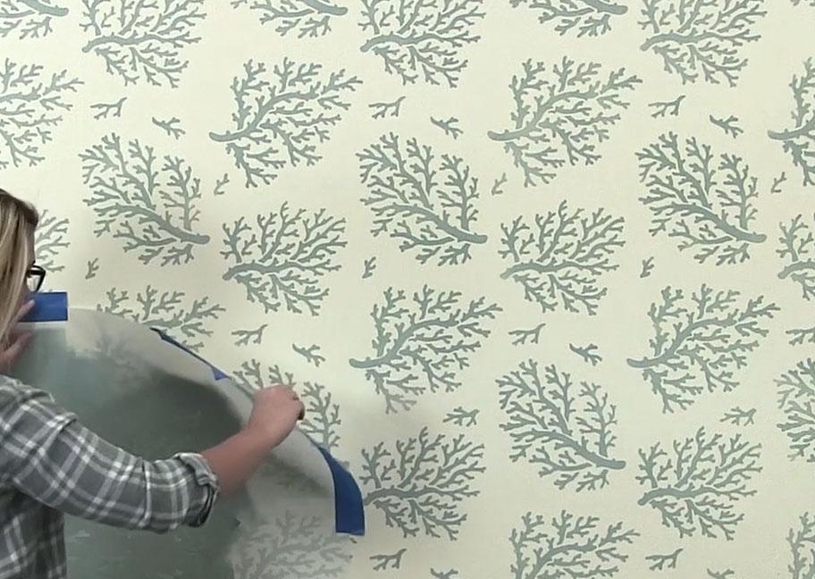 Sơn tường hoa văn lá cây