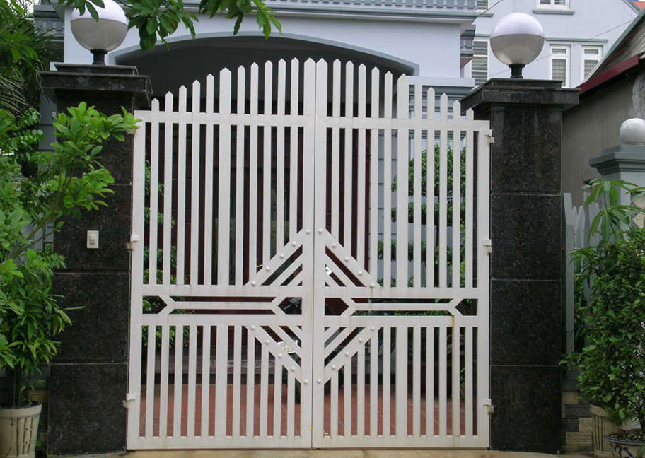 Màu sơn cửa sắt đơn giản