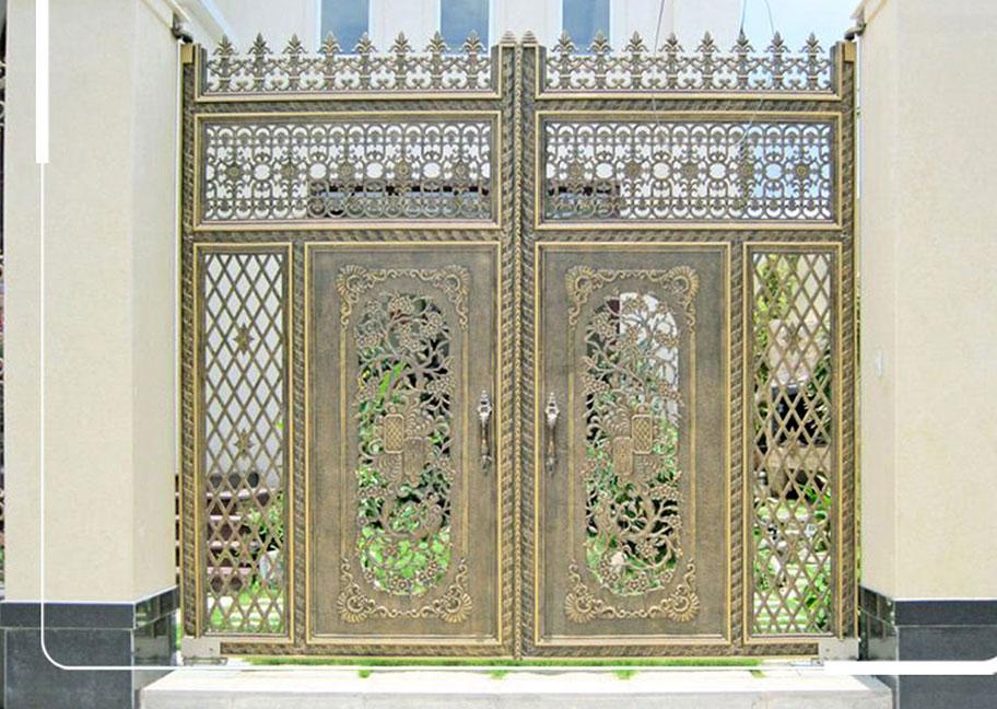 Màu sơn cửa sắt vàng đồng đẹp