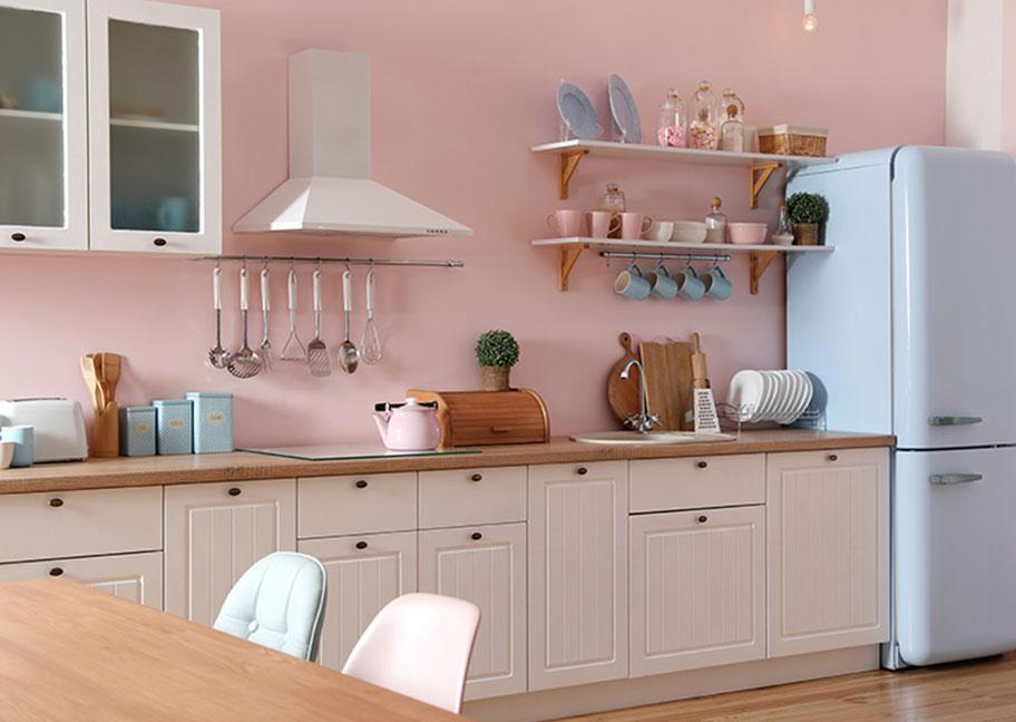 Phòng bếp sơn màu hồng cam đẹp