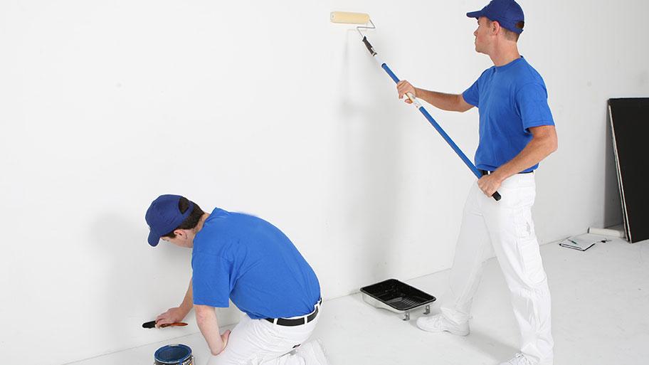 Thi công lớp sơn lót cho công trình nhà ở